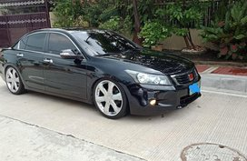Black Honda Accord 2008 at 80000 km for sale