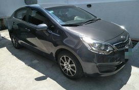 Selling Used Kia Rio 2012 in Cavite