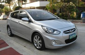Selling Silver Hyundai Accent 2014 Hatchback Automatic Gasoline in Manila
