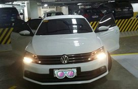 Sell White 2016 Volkswagen Jetta in Muntinlupa