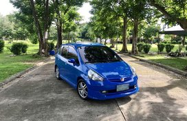 Selling Blue Honda Fit 2001 in Bulacan