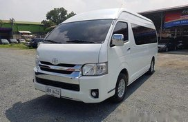 Selling White Toyota Hiace 2016 at 42000 km in Pasig