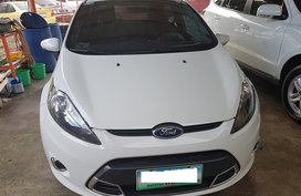 White 2013 Ford Fiesta Hatchback at 60000 km for sale