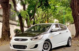 Sell 2016 Hyundai Accent Hatchback in Manila