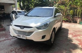Selling Used Hyundai Tucson 2011 at 57000 km