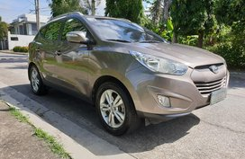 Selling Brown Hyundai Tucson 2012 Automatic Gasoline
