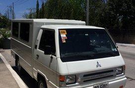 White Mitsubishi L300 2017 Van at 28046 km in Taguig