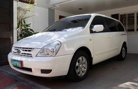 2010 Kia Carnival at 60000 km Diesel Automatic for sale