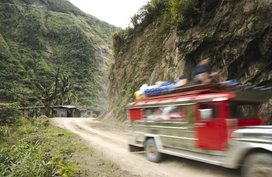 4 must-do things to avoid accidents when driving through a pass