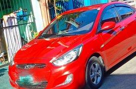 Selling Red Hyundai Accent 2013 Sedan at 80000 km
