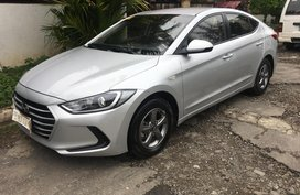 Silver Hyundai Elantra 2017 at 15000 km for sale in Lucena