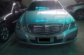 Sell Used 2009 Mercedes-Benz E-Class Automatic Gasoline in Quezon City