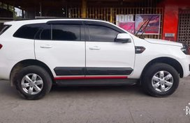 White Ford Everest 2017 at 29000 km for sale in Quezon City