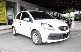 Sell 2016 Honda Brio Hatchback in Cavite