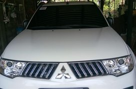 White Mitsubishi Montero Sport 2013 at 35446 km for sale