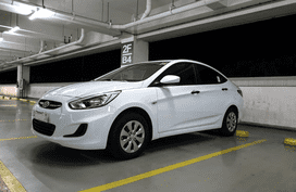 Sell White 2017 Hyundai Accent Sedan at 4000 km