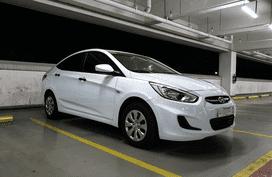 Sell White 2017 Hyundai Accent Sedan at 3955 km