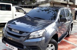 Isuzu Mu-X 2017 at 12000 km for sale