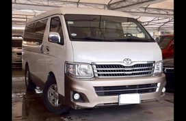 Toyota Hiace 2013 Van at 47000 km for sale