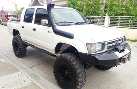 2000 Toyota Hilux for sale in San Fernando