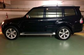 Sell Black 2010 Mitsubishi Pajero Diesel Automatic at 82000 km