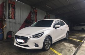 Selling 2nd Hand Mazda 2 2016 Sedan at 30800 km
