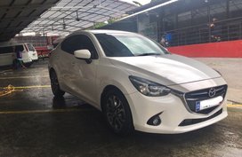 Selling 2nd Hand Mazda 2 2016 Sedan at 30000 km