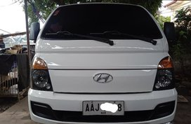 White Hyundai H-100 2014 Van at 58000 km for sale in Quezon City