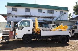 White 2018 Isuzu Elf Truck for sale in Caloocan