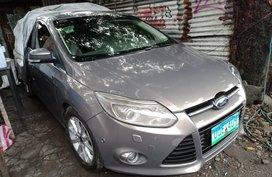 Selling Used Ford Focus 2013 Sedan at 50000 km