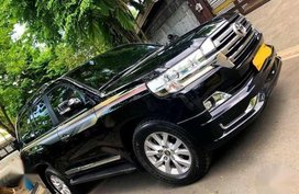 Selling Toyota Land Cruiser 2019 in Paranaque City