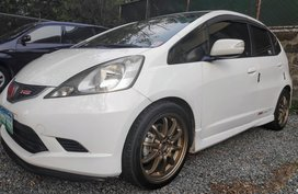 White Honda Jazz 2010 at 73000 km for sale