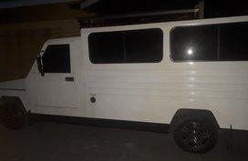 Selling White MitsubishiL300 2014 at 102000 km