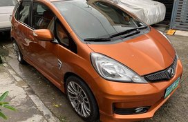 Selling Orange Honda Jazz 2013 Hatchback Automatic Gasoline