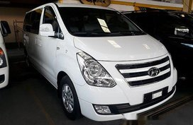 Selling White Hyundai Grand Starex 2016 Automatic Diesel