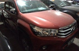 Selling Orange Toyota Hilux 2017 in Makati
