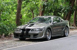 Selling Grey Ford Mustang 1995 at 60000 km