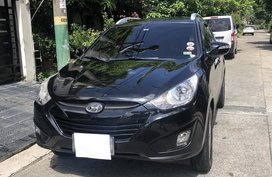 Selling Black Hyundai Tucson 2011 at 62000 km