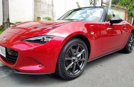 Red Mazda Mx-5 2018 at 12000 km for sale