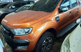 Selling Orange Ford Ranger 2018 at 8000 km