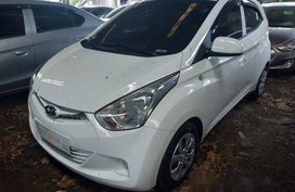 Sell White 2018 Hyundai Eon Manual Gasoline at 20000 km