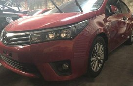 Sell Red 2017 Toyota Corolla Altis at 8800 km