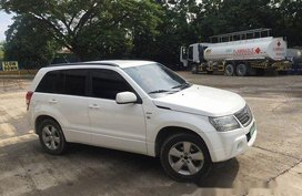 White Suzuki Grand Vitara 2008 at 70184 km for sale
