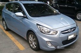 Blue Hyundai Accent 2014 at 33000 km for sale