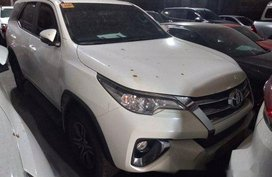 Selling White Toyota Fortuner 2018 Automatic Diesel