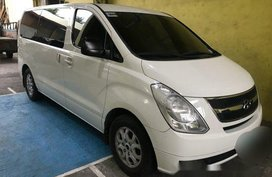 Selling White Hyundai Grand Starex 2012 at 55000 km