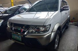 White Isuzu Crosswind 2012 for sale in Quezon City