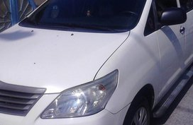 Sell White 2013 Toyota Innova in Bacoor