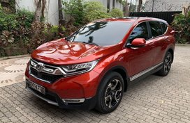 Selling Red Honda Cr-V 2018 Automatic Gasoline