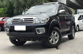Sell Black 2009 Toyota Fortuner in Makati